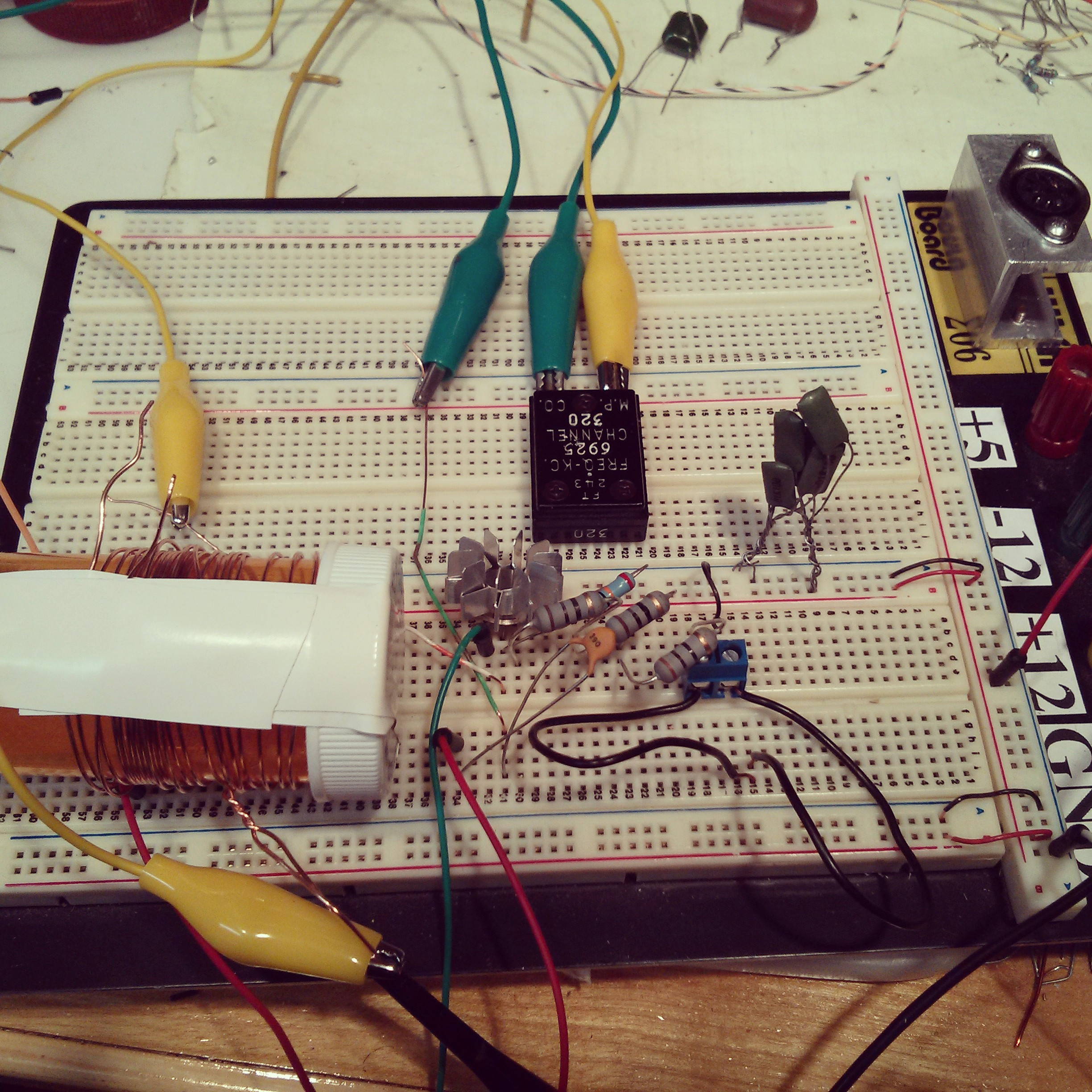 Makerf A Mighty Simple Shortwave Transmitter Fm Circuit 6 Electronic Breadboard Layout Michigan Mite